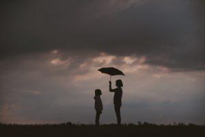 傘 子ども 雨