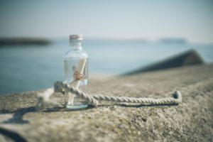 ガラス瓶と手紙