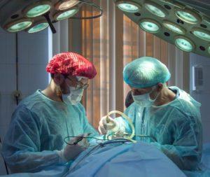 医者 病院 手術