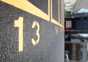 13番 駐車場